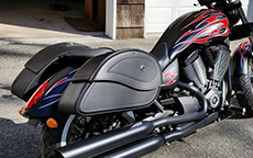 Kevin Richter's 2014 Victory w/ Ultimate Shape Motorcycle Saddlebags