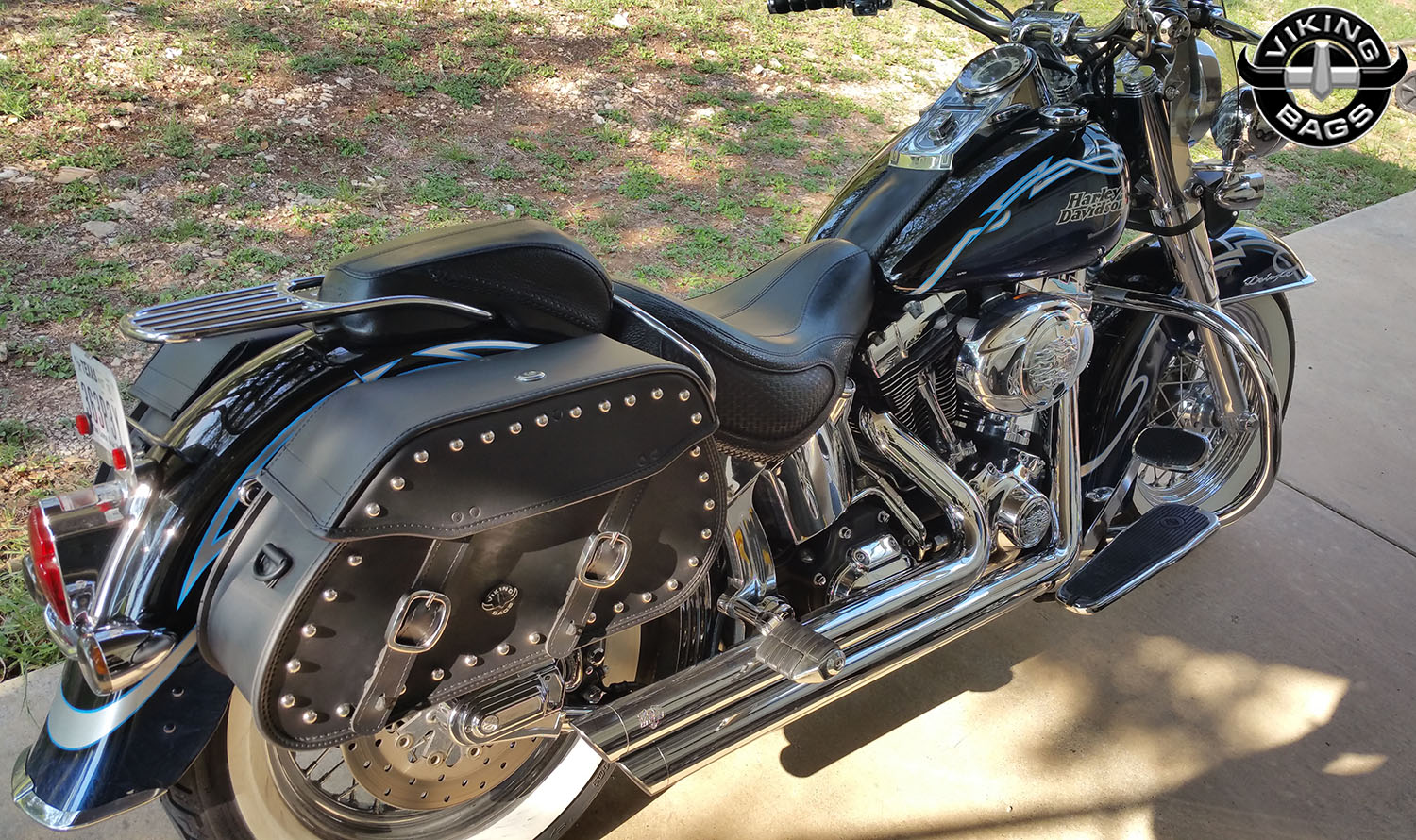 harley softail deluxe flstn motorcycle saddlebags pinnacle studded. Black Bedroom Furniture Sets. Home Design Ideas