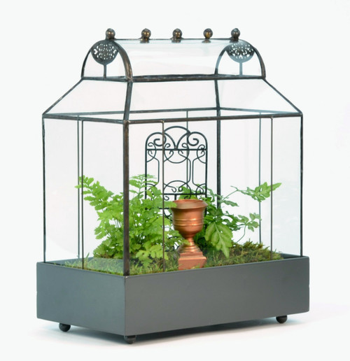 Table Top Barrel Roof Terrarium