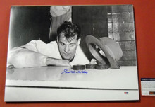 GORDIE HOWE AUTOGRAPHED 16X20 B&W PHOTO DETROIT RED WINGS PSA/DNA HAT TRICK
