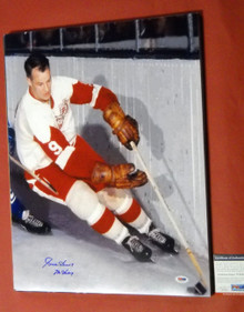 GORDIE HOWE AUTOGRAPHED 16X20 PHOTO DETROIT RED WINGS PSA/DNA MR HOCKEY