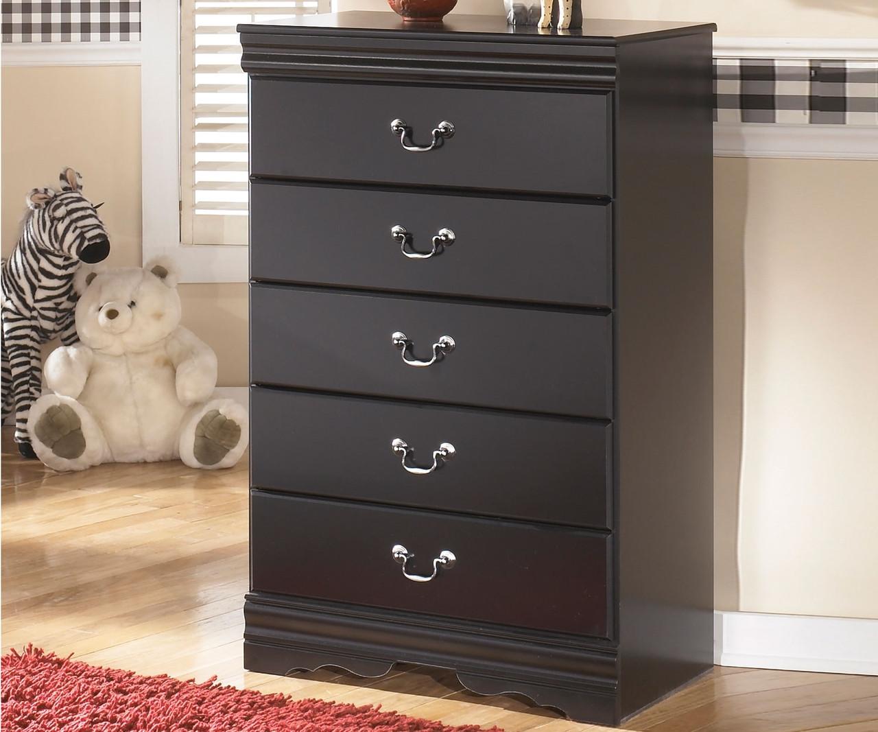 Huey Vineyard Chest B128 46 Ashley Kids Furniture