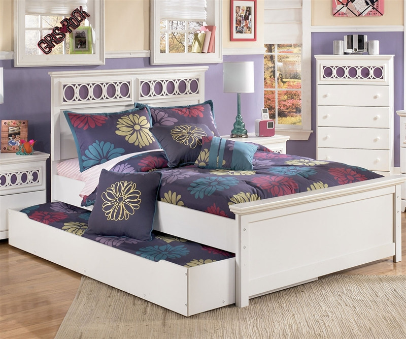Ashley Furniture Zayley Full Size bed with trundle for
