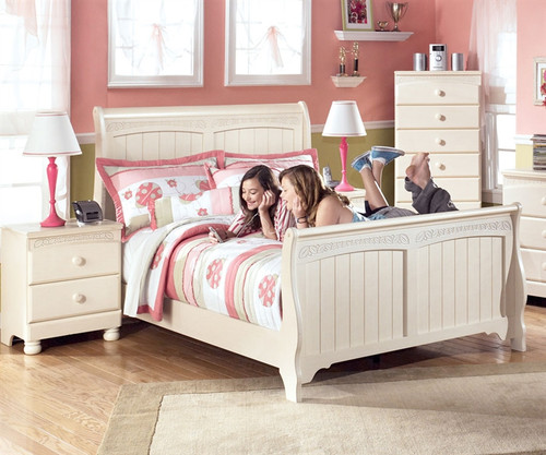 Ashley furniture cottage retreat full sleigh bed kids cottage retreat full sleigh bed in cream Cottage retreat collection bedroom furniture