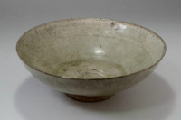 sale: Antique Chinese crackle glazed celadon bowl in Song