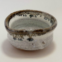 GUINOMI Modern Japanese pottery SAKE Cup in KARATSU Wear #1404