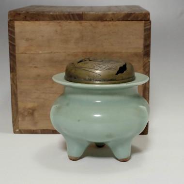 Vintage Tripod Jade Green Japanese Celadon Porcelain Insence burner