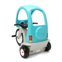 Children and adults alike will appreciate the smart design of the new Simplay3 Super Coupe Pedal Trike deluxe outdoor ride-on toy.