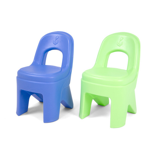 Simplay3 Play Around Chairs are durable, sturdy and easy to carry.  Periwinkle blue and lime kids plastic chairs colors complement the Simplay3 Play Around Table and Chairs Set.