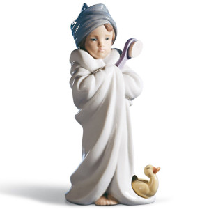 Lladro Porcelain Bundled Bather Girl Figurine 01006800