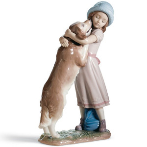 Lladro Porcelain A Warm Welcome Dog Figurine 01006903