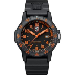 Luminox Men's Leatherback Sea Turtle Giant 0320 Series Carbon Case Black Rubber Strap Watch XS.0329