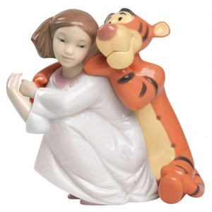 Nao Porcelain Disney Hugs With Tigger 02001595