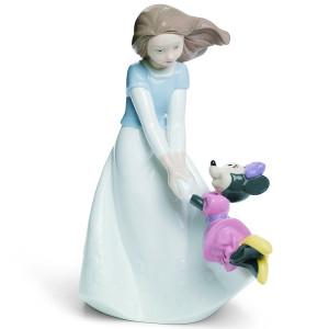 Nao Porcelain Disney Friends With Minnie Figurine 02001643