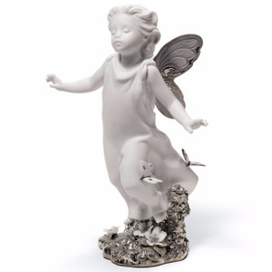 Lladro Porcelain Butterfly Wings Art Figurine 01007201