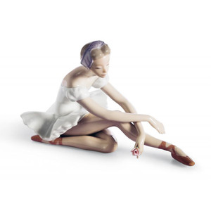 Lladro Porcelain Rose Ballet Dancer Figurine 01005919