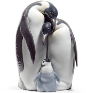 Lladro Porcelain Penguin Family Figurine 01008696
