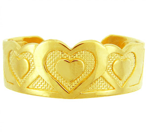 Bold Heart Yellow Gold Toe Ring