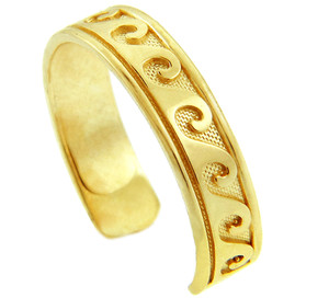 Classic Wave Yellow Gold Toe Ring