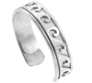 Classic Wave White Gold Toe Ring