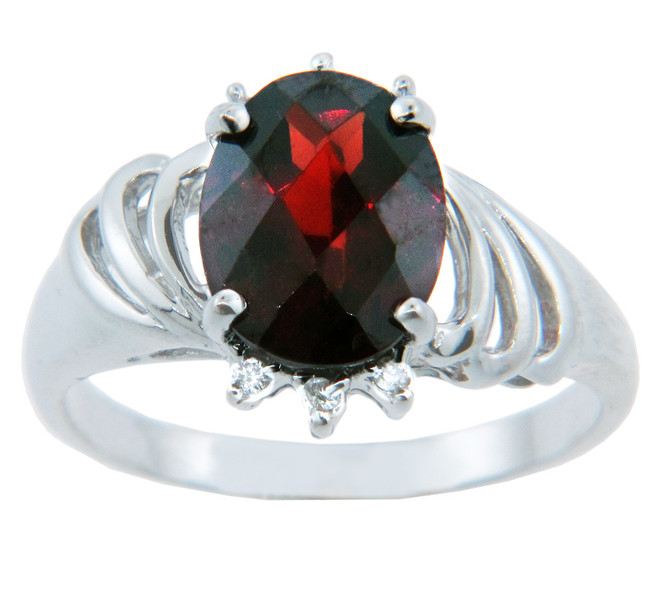 Ladies Rings - Gold Ring with Garnet and Diamonds