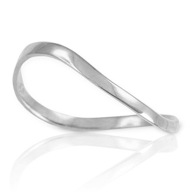 White Gold Wavy Thumb Ring
