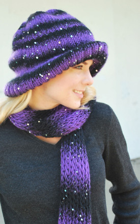 Downtowner Hat And Scarf Http Www Knittingboard Com