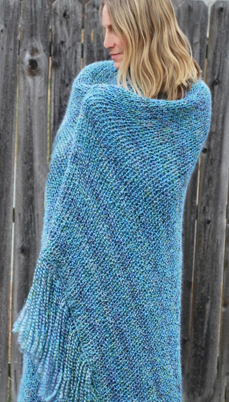 Double Knit Afghan w/ Fringe - http://www.knittingboard.com/