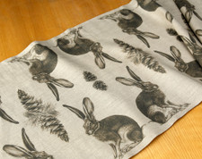 Table Runner: Hare