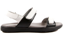 Sandbaggers Women's Golf Sandals: Lola Black & White