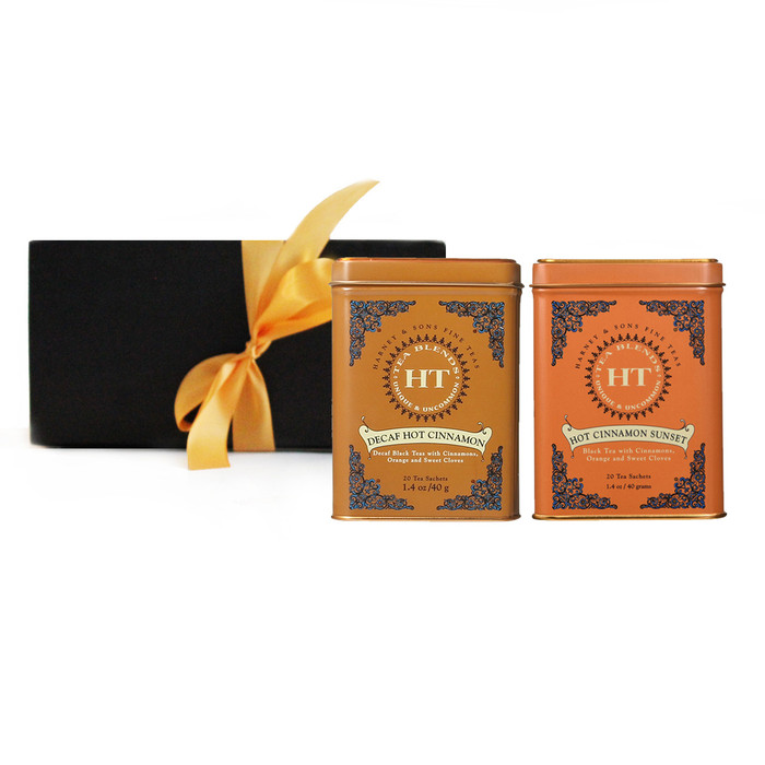 This gift set contains Hot Cinnamon Sunset 20 sachets and Decaf Hot Cinnamon Sunset 20 sachets.