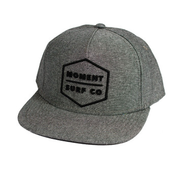 moment-boxed-logo-flat-bill-hat-grey