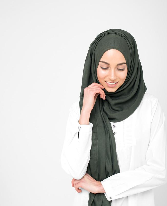 Pinless Deep Forest Green Viscose Hijab