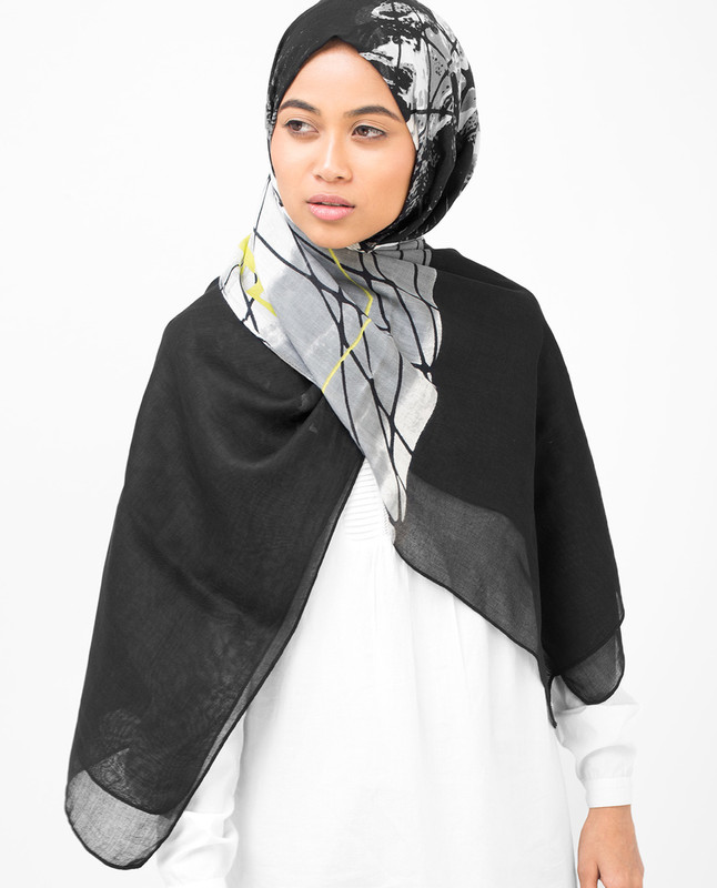 Black Abstract Print Viscose Hijab