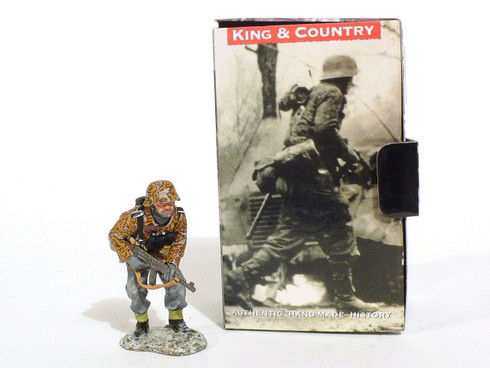 King & Country Toy Soldiers World War II Soldier With Gun And Supplies