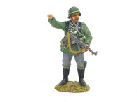 King & Country WS232 WWII Pointing German MP