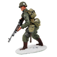 W Britain Soldier 25043 U.S. 101st Airborne Infantry In M-43 Jacket Advancing With BAR, Winter 1944 - 1945