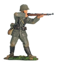 W Britain 17905 German Wehrmacht Standing Firing World War II
