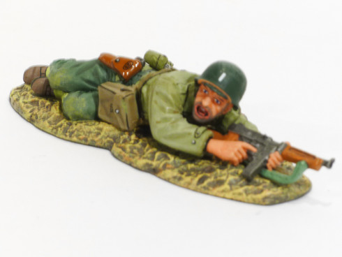 World War II D. Day '44 Americans Lying Prone Officer With Tommy Gun Collectible Soldier DD147