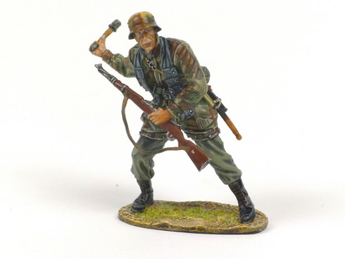 First Legion NOR032 German Fallschirmjager Throwing Grenade