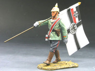 King & CountryFW007 The Great War Officer Carrying The German Battle Flag World War I