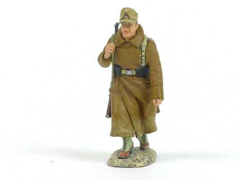 King & Country AK067 Rifleman in Greatcoat Marching  World War II Afrika Korps