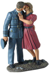 "W Britain World War 2 25025 ""I'll Be Seeing You"" - RAF Pilot and Girl Kissing Goodbye"