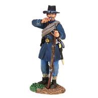 W Britain 31236 American Civil War Federal Iron Brigade Standing Tearing Cartridge