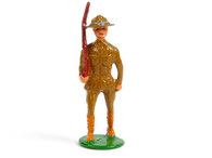 Holt's Hobbies HOLT-004, WWI Soldier standing wide with slanted rifle