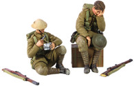"""W Britain Soldiers 23072 WWI """"Life in the Trenches"""" 1916-17 British Infantry Exhausted Seated with Box and Seated Eating"""