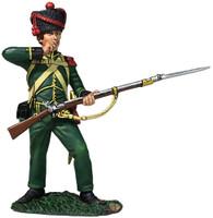 W Britain 36170 Nassau Grenadier Standing tearing Cartridge 1815