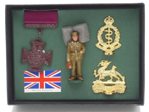 WBritain 8930 Captain Harold Ackroyd Victoria Royal Army Medical Corps Cross Hero