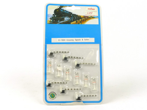 Bachmann Trains 52-7004 Crossing Signals & Gates N Scale Accessories