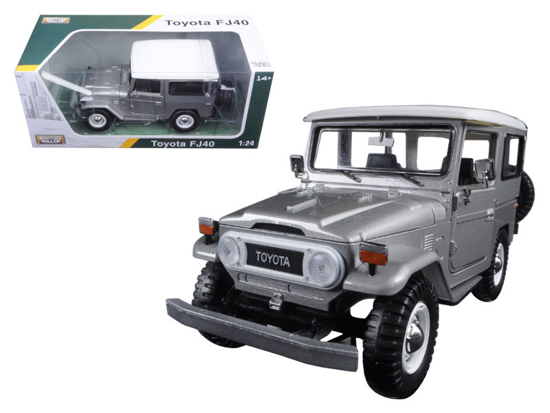 Toyota FJ40 Silver 1/24 Diecast Model Car by Motormax